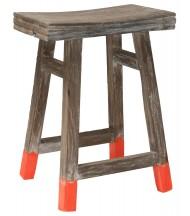 Taburete de madera con toque naranja